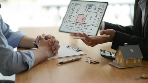 Come rendere multimediali le vetrine delle agenzie immobiliari